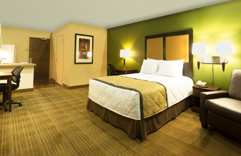 Guest room at Extended Stay America Phoenix - Chandler.