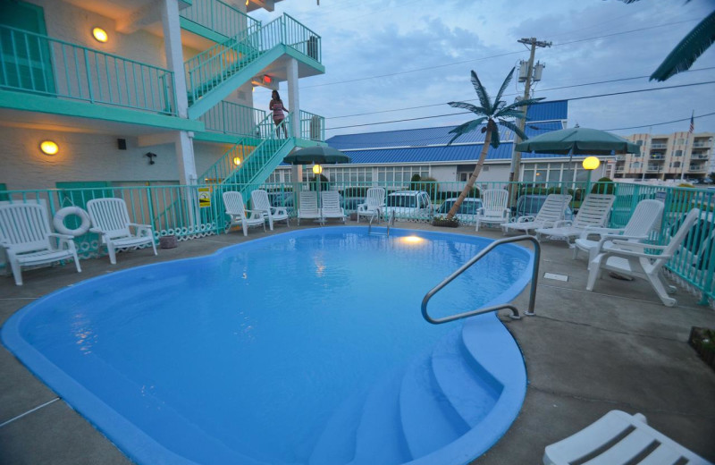 Outdoor pool at Sea Scape Inn.
