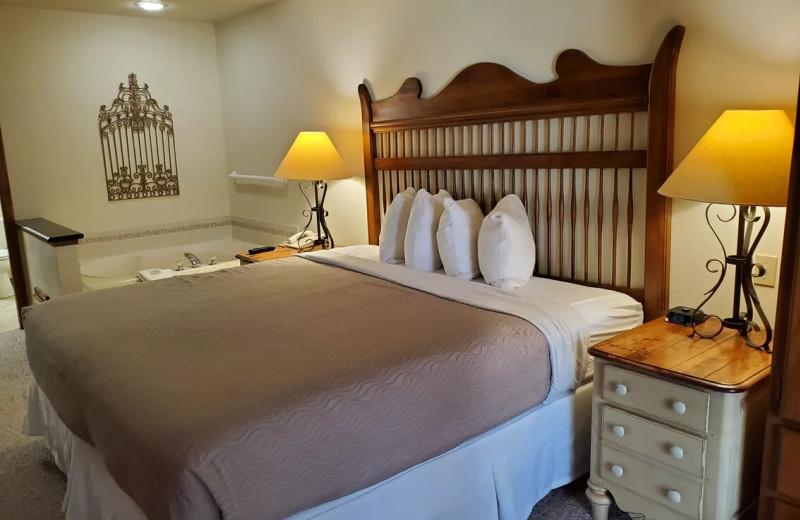 Guest room at Bridgeport Waterfront Resort.