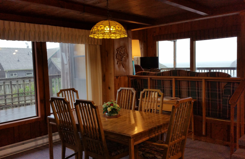 Guest dining room at Sunset Oceanfront Lodging.