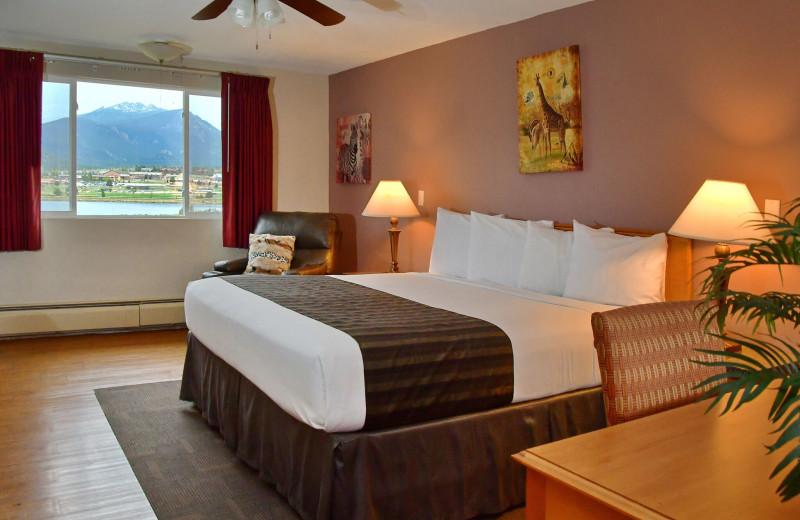 Guest room at Murphy's Resort.