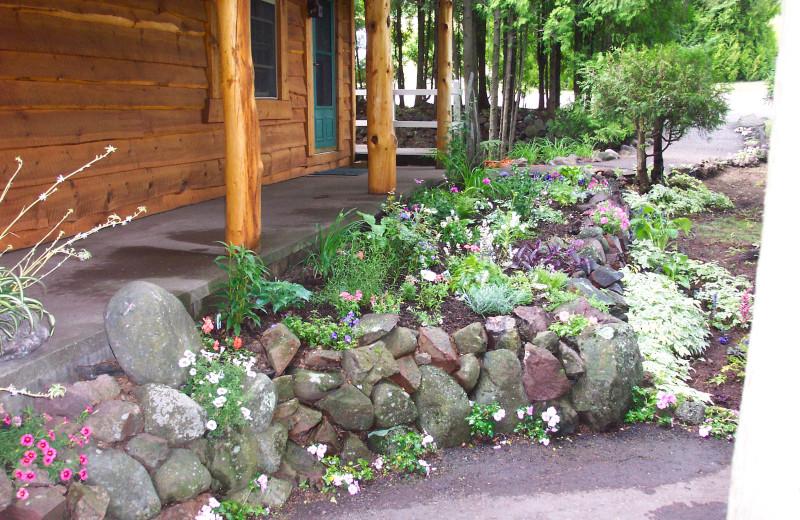 Garden at Thomsonite Beach Inn & Suites.