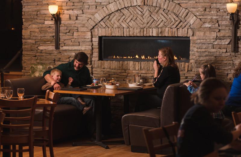 Dining at Golden Arrow Lakeside Resort.