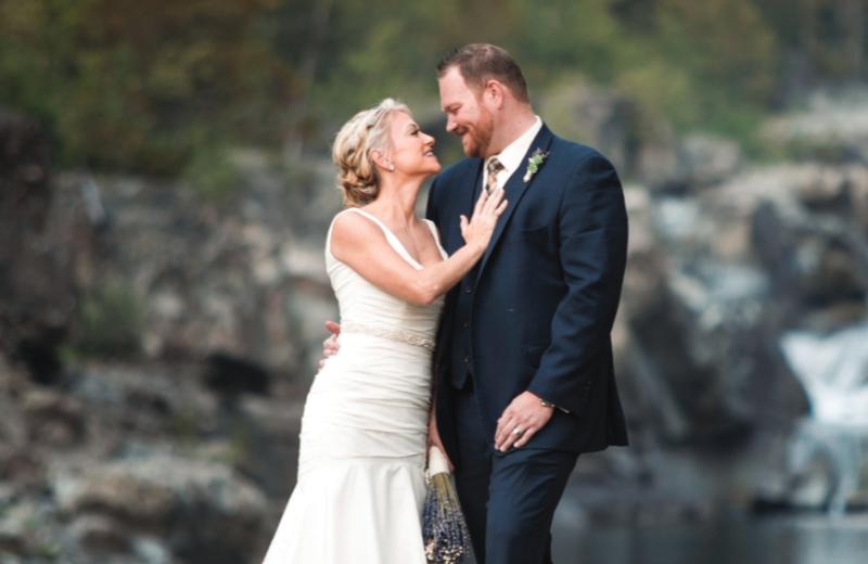 Weddings at Izaak Walton Inn