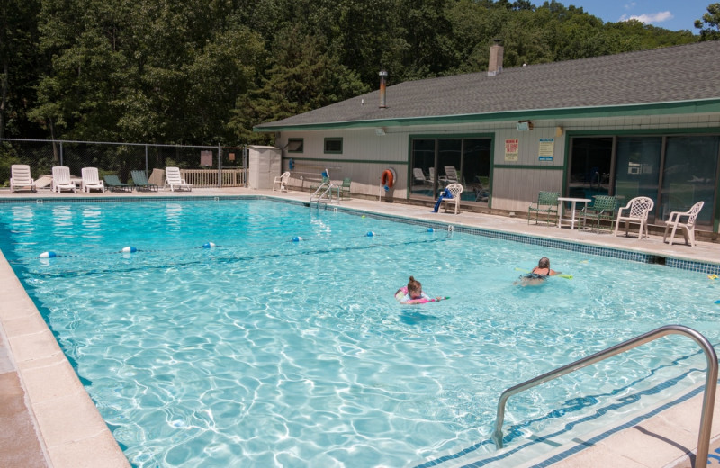 Outdoor pool at Silver Valley Campsites