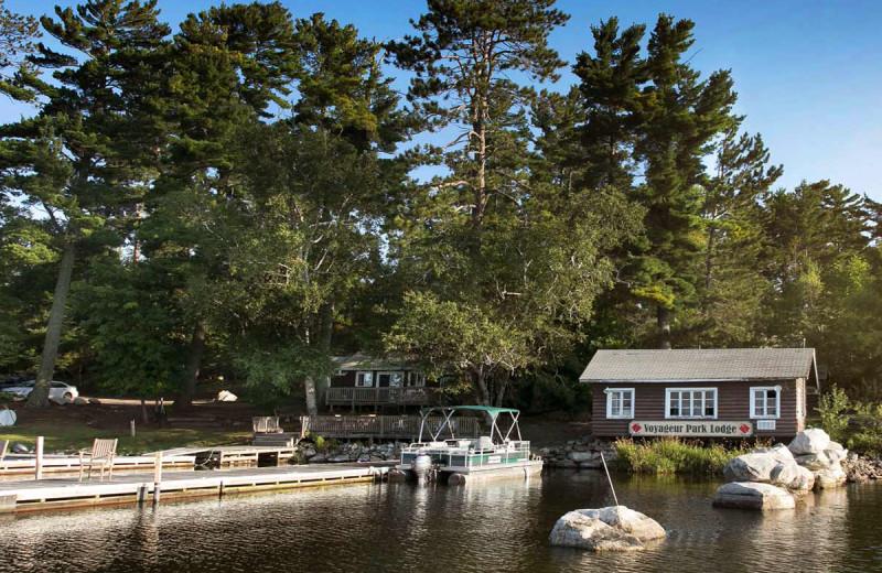 Exterior view of Voyageur Park Lodge.