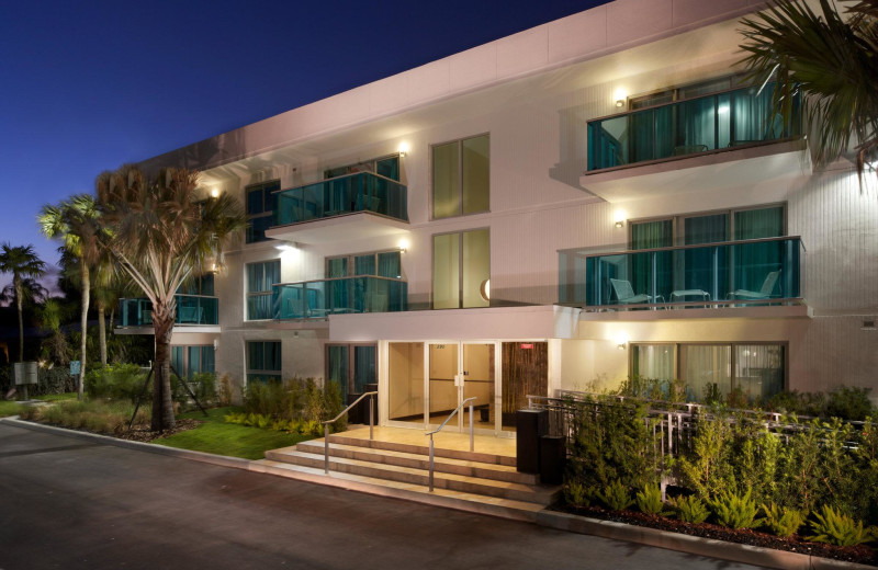 Exterior view of Bal Harbour Quarzo Luxury Boutique Hotel.