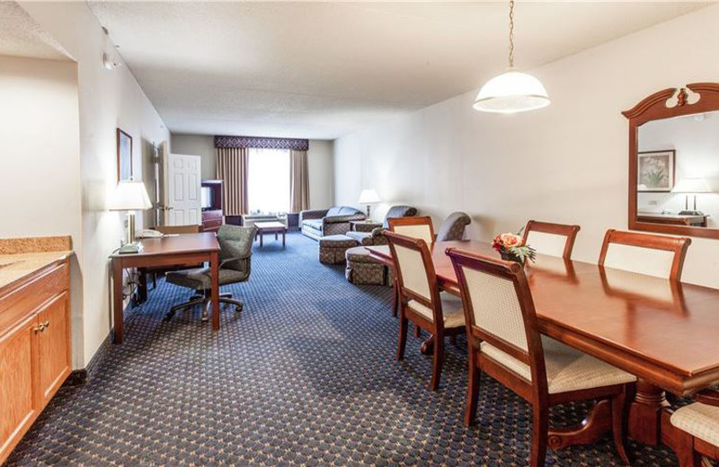 Suite Accommodations at Wingate by Wyndham Atlanta/Six Flags Austell