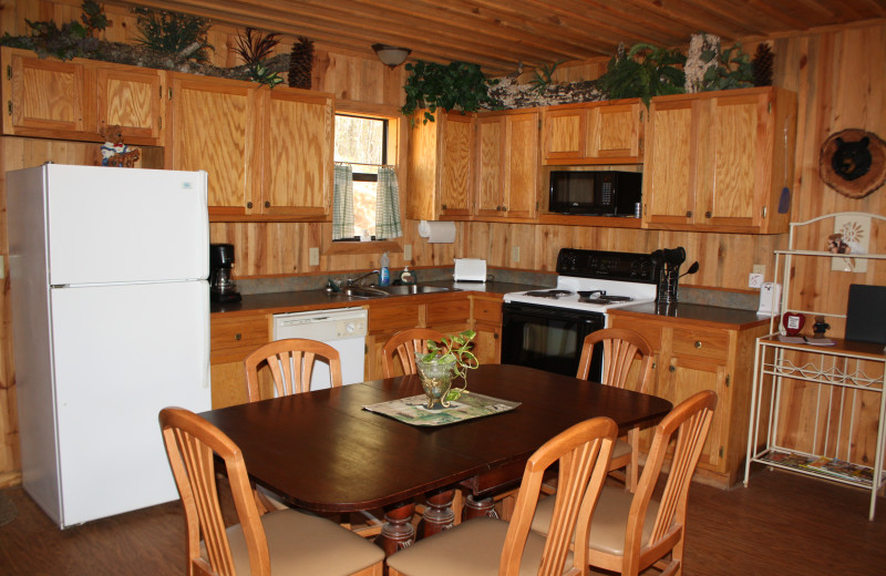Bear Track kitchen at Heath Valley Cabins.