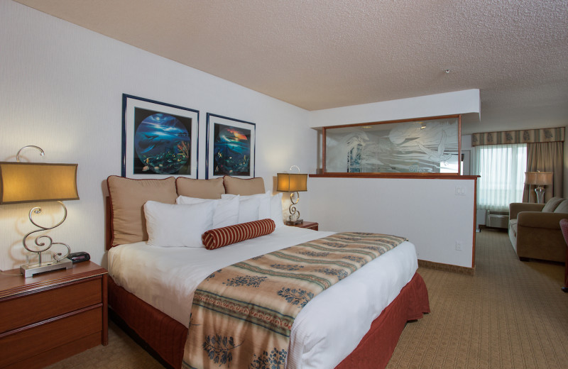 Guest room at Shilo Inn Suites Hotel Ocean Front Resort.