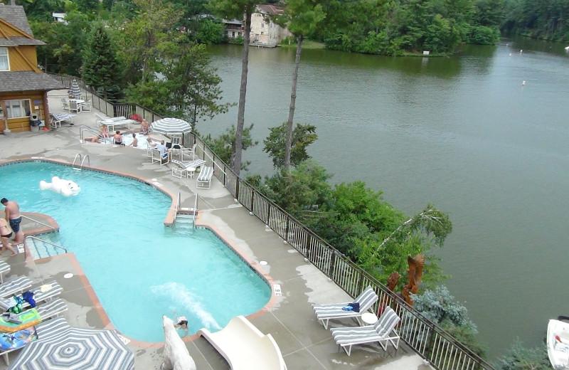 Outdoor pool at Cliffside Resort.