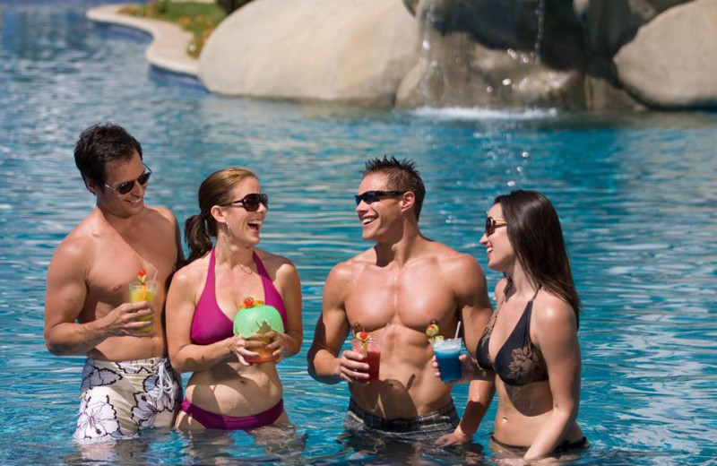 Meet New People at Pueblo Bonito Sunset Beach