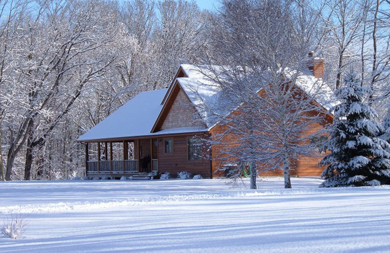 Exterior view of Riverbend Retreat Resort Lodge & Cottages.
