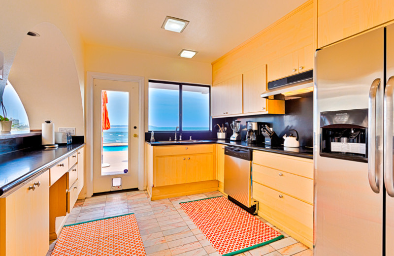Rental kitchen Seabreeze Vacation Rentals, LLC-Orange County.