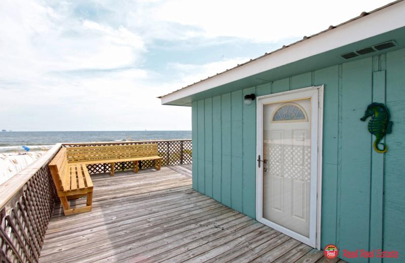 Rental exterior at Reed Real Estate Vacation Rentals.