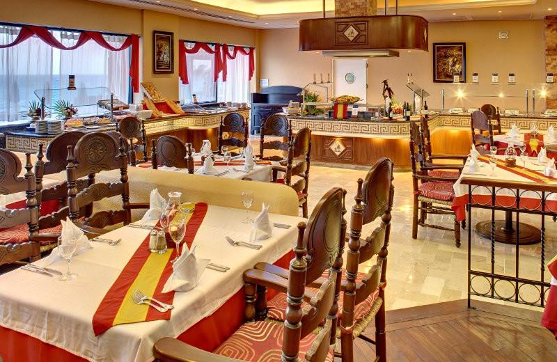 Restaurant at Barcelo Tucancun Beach