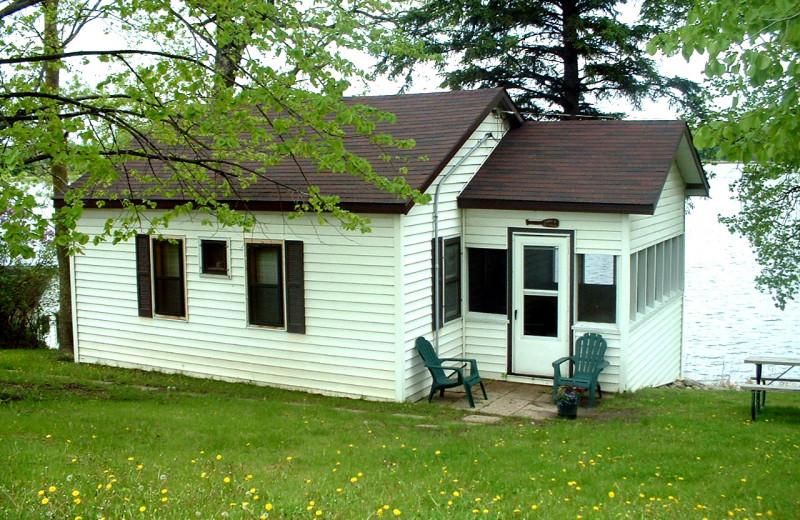 Cabin exterior at Sunset Bay Resort.