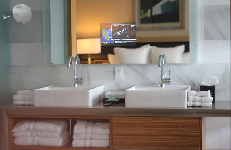 Guest bathroom at Casa Moderna Miami.