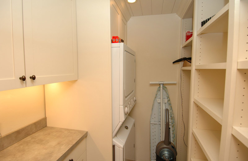 Rental laundry room at Frias Properties of Aspen - Shadow Mountain #1.