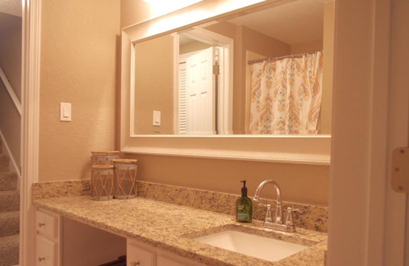 Rental bathroom at Sunnyside Beach & Tennis Resort.