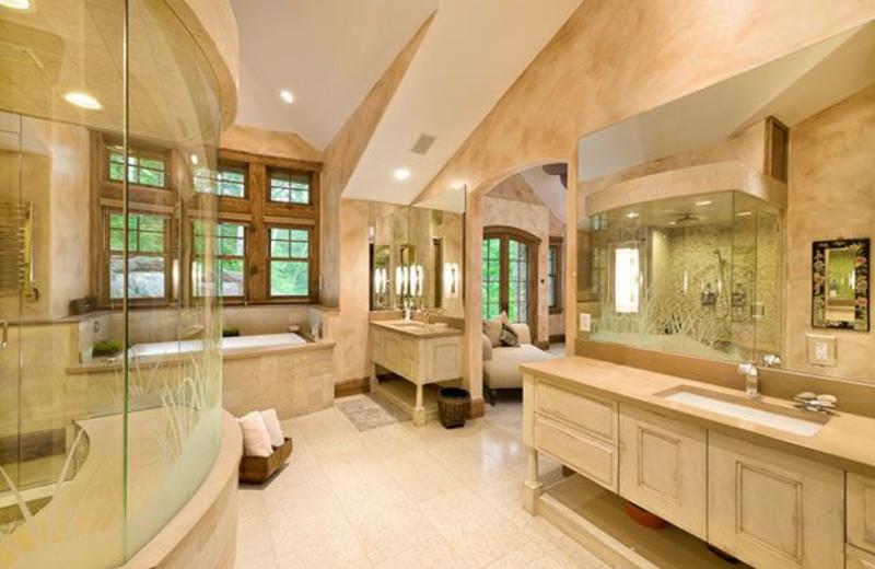 Rental Home Bathroom at Triumph Mountain Properties