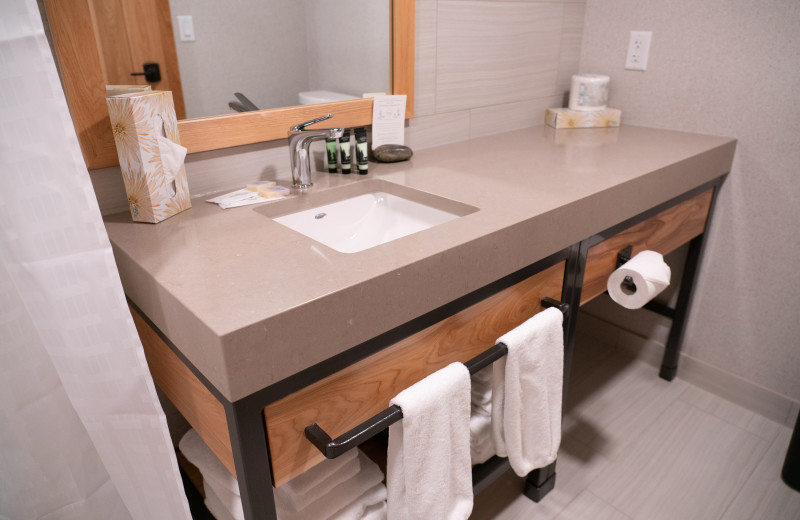 Guest bathroom at Tunnel Mountain Resort