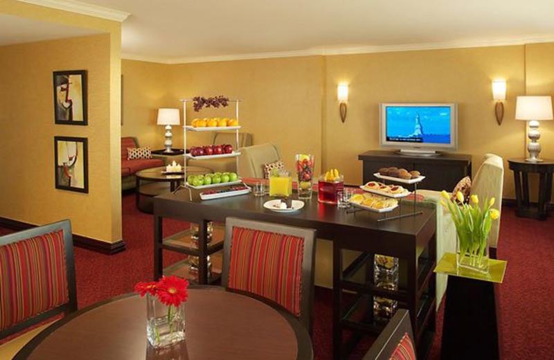 Concierge lounge at Dallas Marriott Suites Market Center.