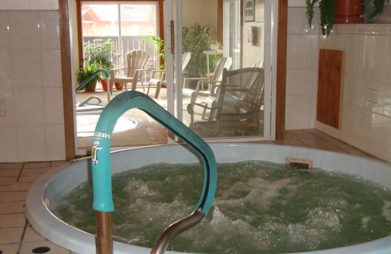 Hot tub at Wildwood on the Lake.