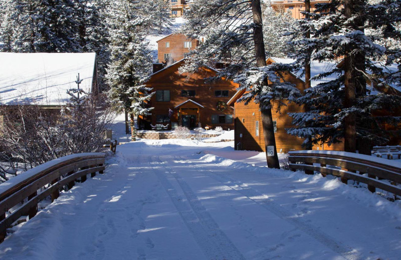 Winter at River Stone Resorts & Bear Paw Suites.