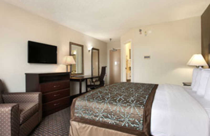 Standard King Room at Baymont Inn & Suites Copley