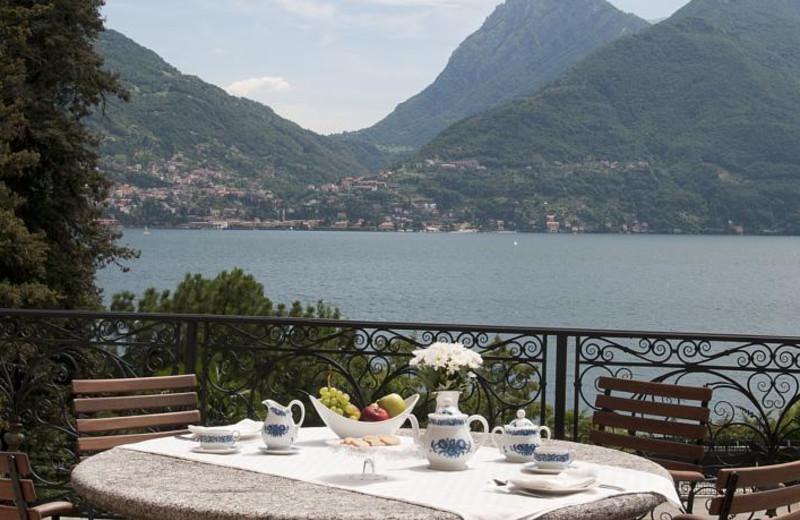 Dining at Villa Camilla.