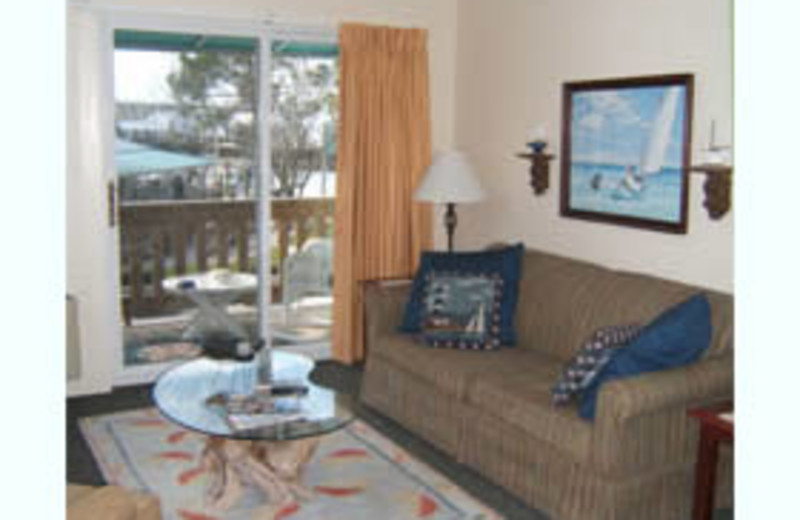Guest Living Room at Oriental Marina and Inn