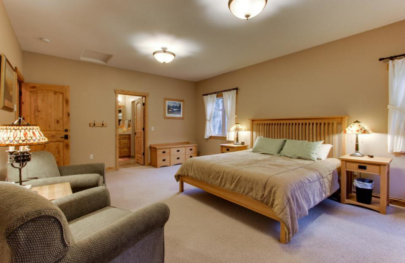 Guest room at Olympic Foothills Lodge.
