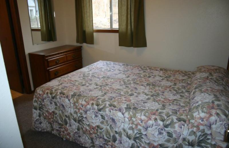 Cabin bedroom at Indian Trails Resort.