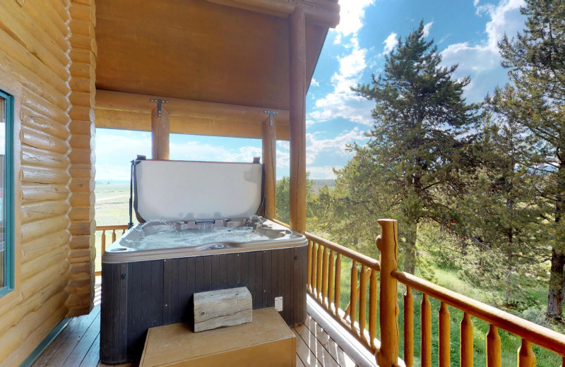 Rental hot tub at Island Park Reservations.