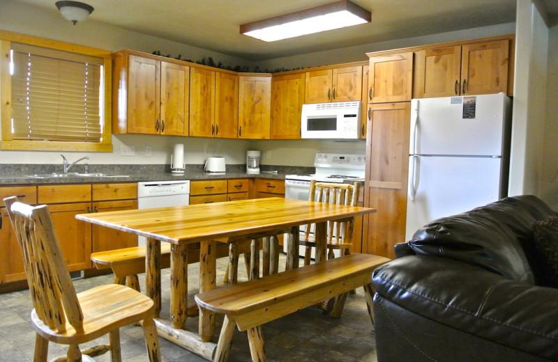 Cabin kitchen at Sawtelle Mountain Resort.