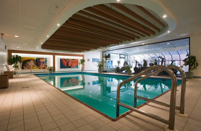 Indoor pool at Delta Barrington.