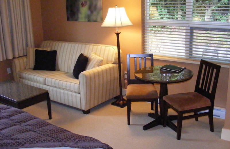 Guest room at Honeymoon Bay Lodge & Retreat.