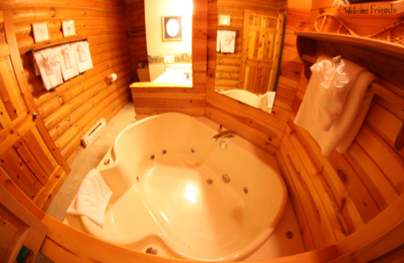 Cabin Bathroom at Cedar Lodge & Settlement
