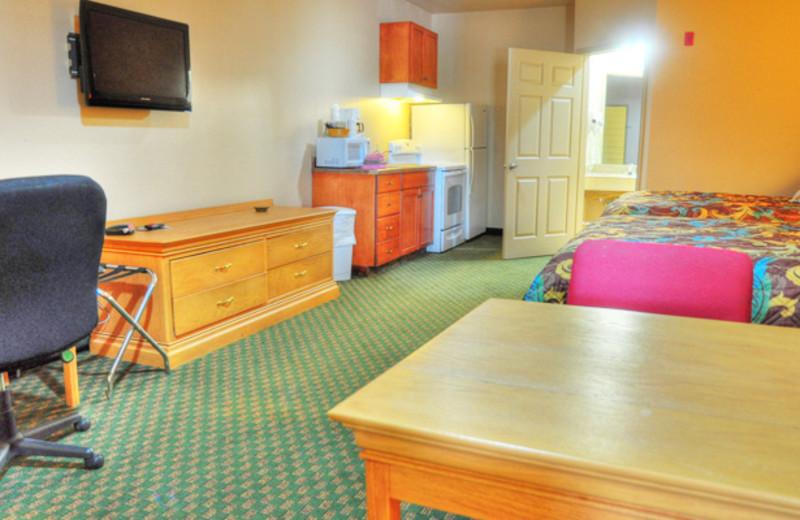 Guest Suites at Lonestar Inn & Suites