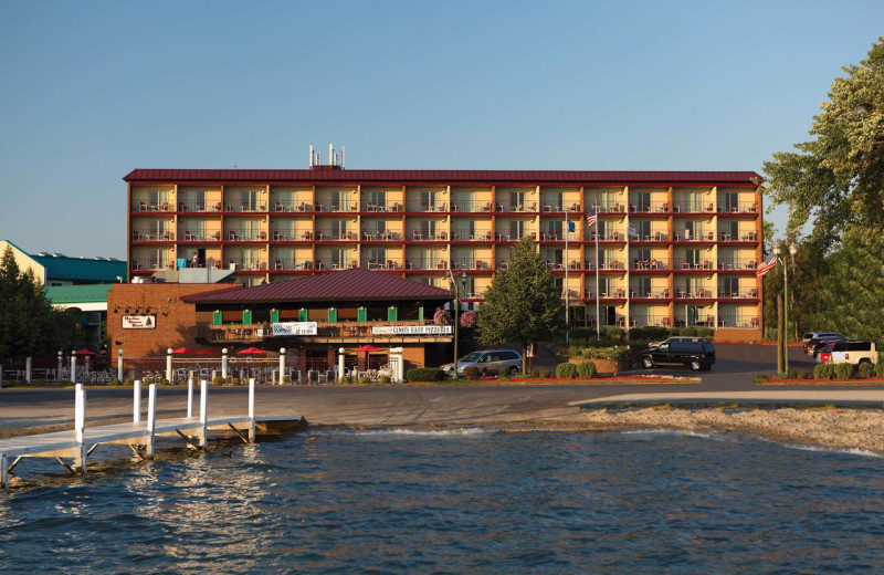 Exterior view of Harbor Shores on Lake Geneva.