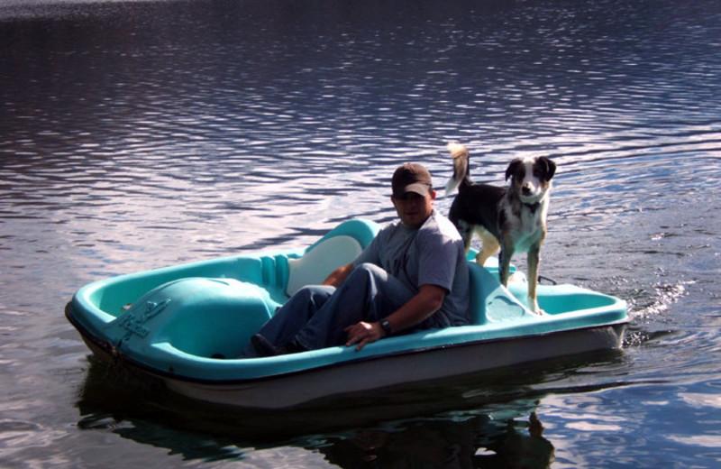 Boating at North Shore Lodge & Resort.