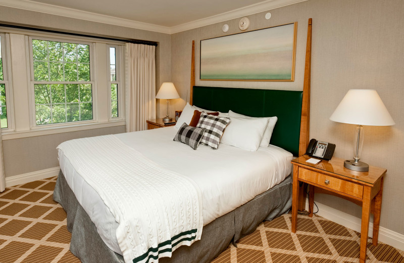 Guest room at Hanover Inn Dartmouth.