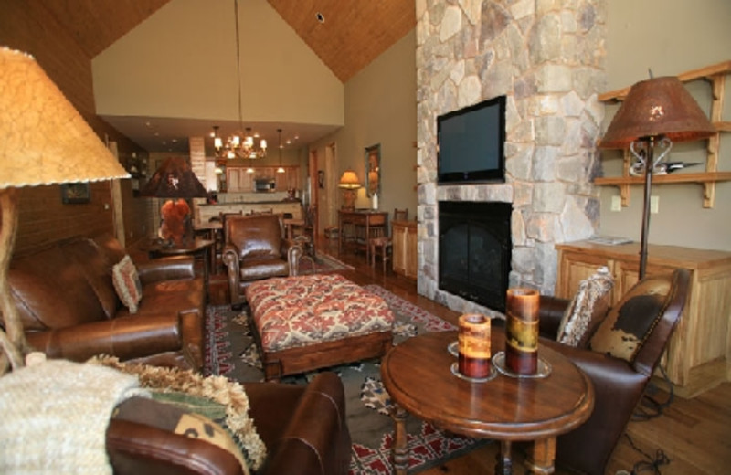 Guest suite at The Hideout Lodge & Guest Ranch.