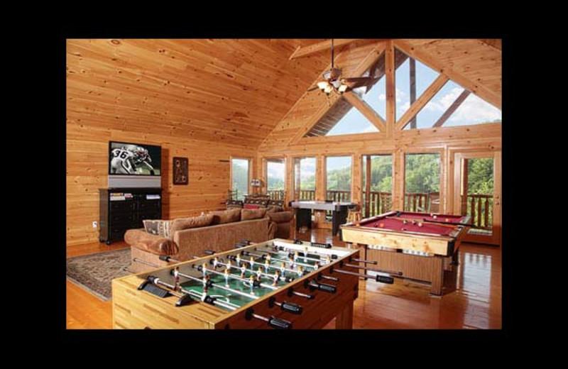 Cabin living room at Eden Crest Vacation Rentals, Inc. - Rocky Top Escape.