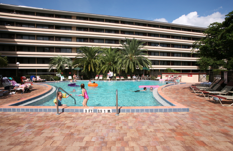 Outdoor pool at Rosen Inn at Pointe Orlando.