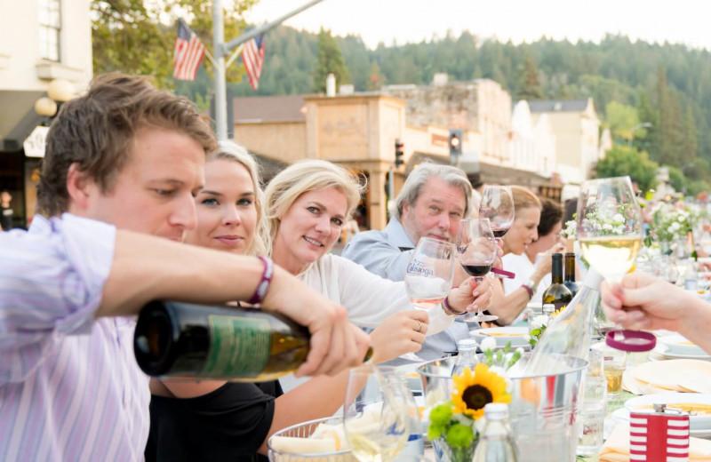 Wine tasting at Cottage Grove Inn.