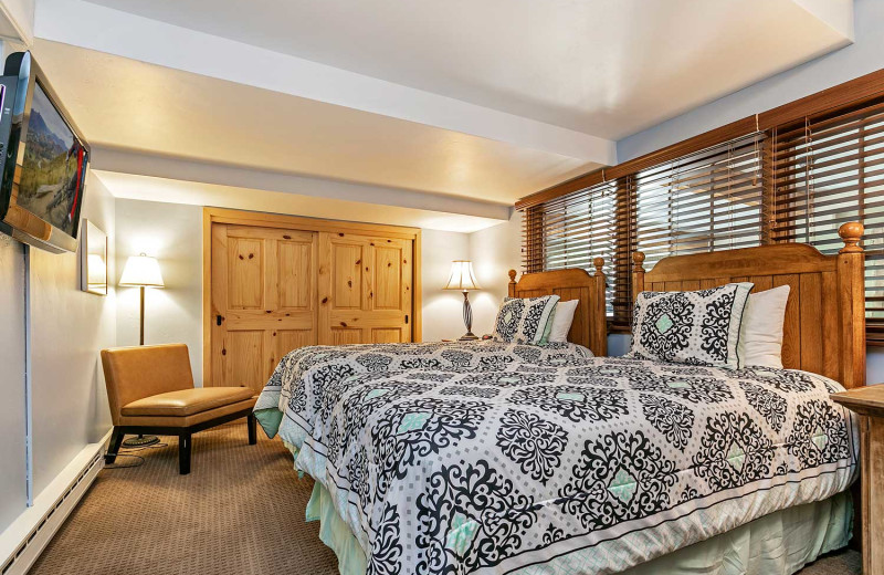 Guest bedroom at Antlers at Vail.