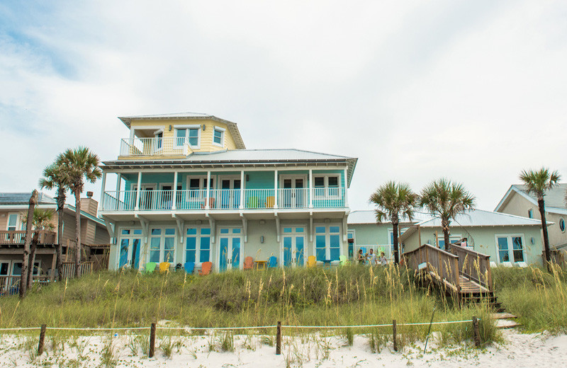 Coastal Commodity is a grand beachfront home that allows weddings in Panama City Beach!