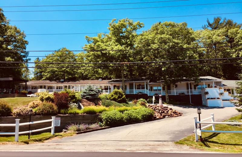 Exterior view of Mount Battie Motel.